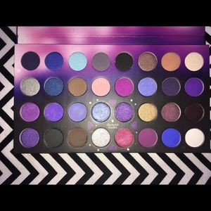 BH Party Girl After hours Eyeshadow Palette: